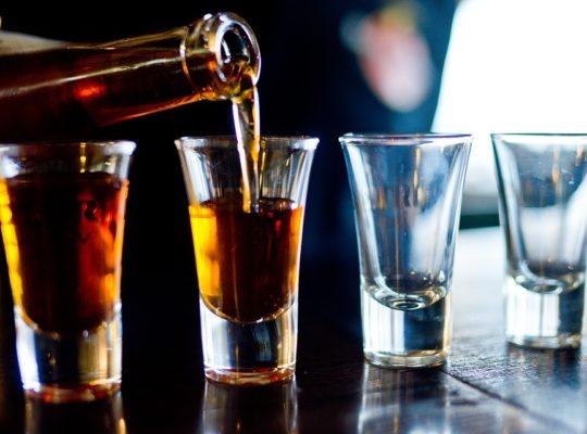 bier whiskey of wijn