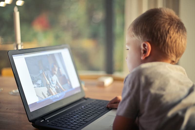 Laptop voor je kind kopen? Zo weet je welke geschikt is!