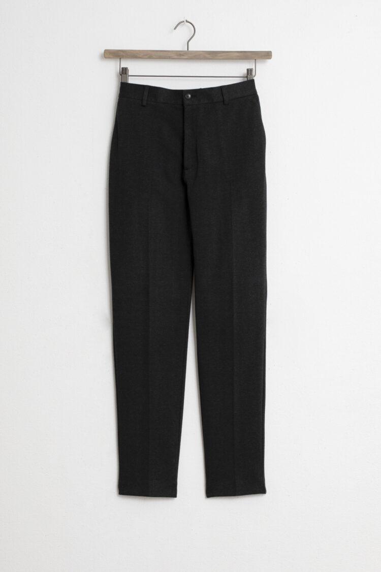 Donkere pantalon