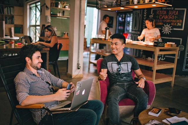 Offline met elkaar een praatje maken: doe het met de Kletspot!