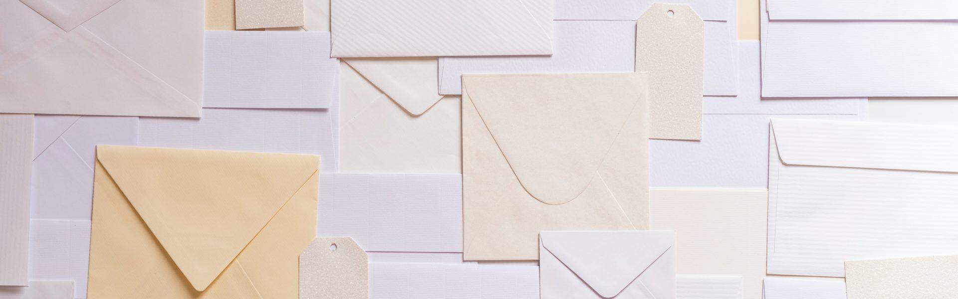 Hoe worden de posttarieven in het binnenland bepaald?